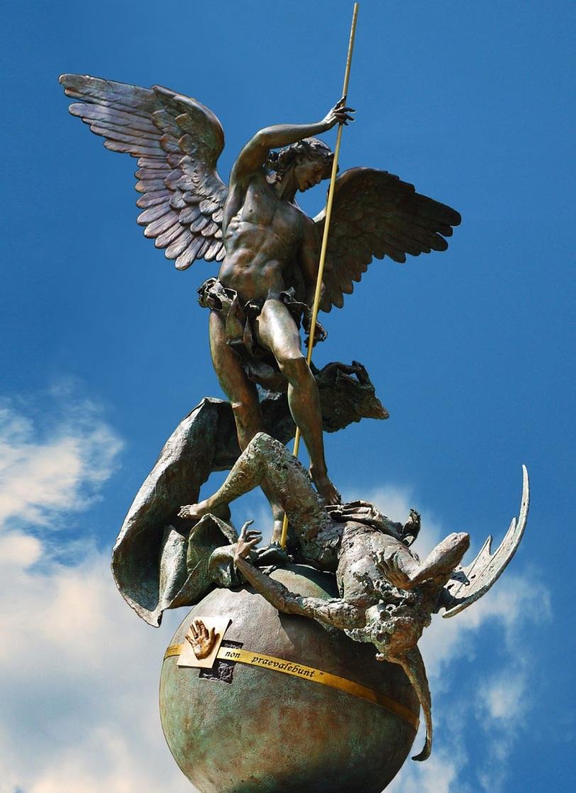 statua-san-michele2