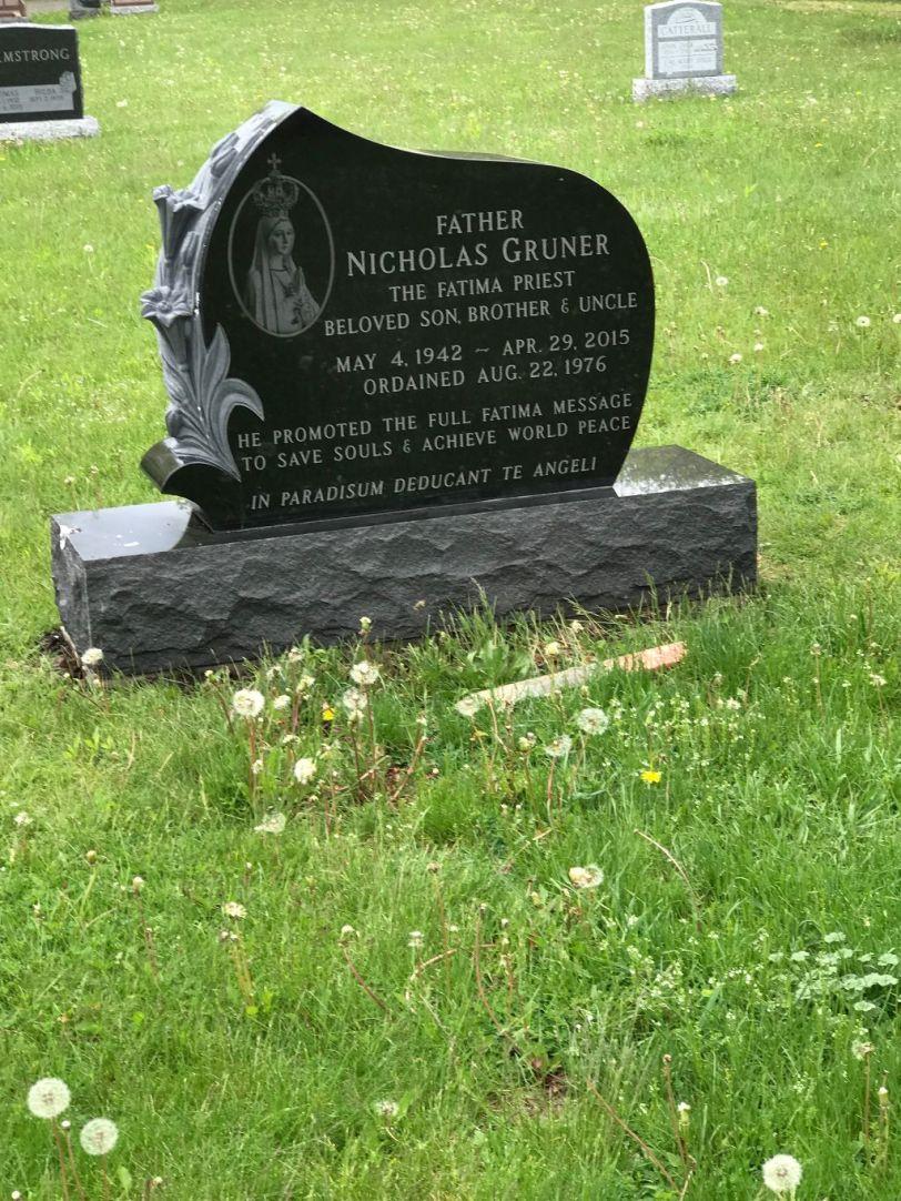 Fr.-Gruner-headstone